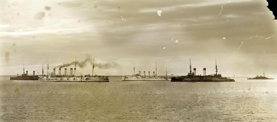 Громобой и Россия встречают корабли из Порт-Артура